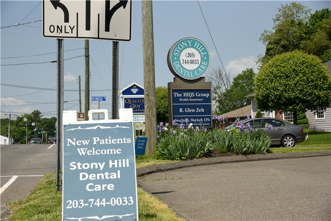Stony Hill Cosmetic Dentistry office sign in Bethel CT